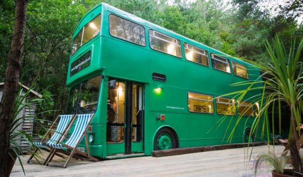 اتوبوس سبز بزرگ